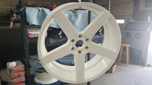 24 inch wheel, Polar White