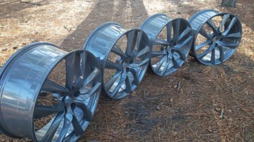 Tesla 21 inch wheels