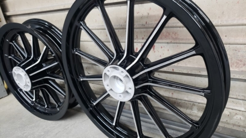 2 Tone Harley Wheels - 2