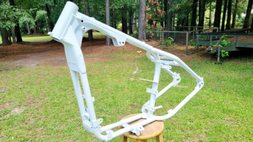 Harley-Frame-Frosty-White-Pearl