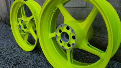 R1 Wheels - Shocker Yellow