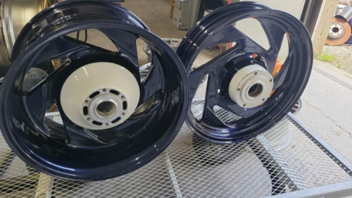 Sportbike wheels in Blue and White